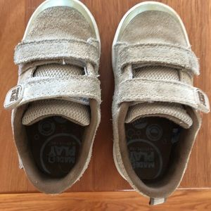 Stride Rite toddler size 7M beige suede shoe